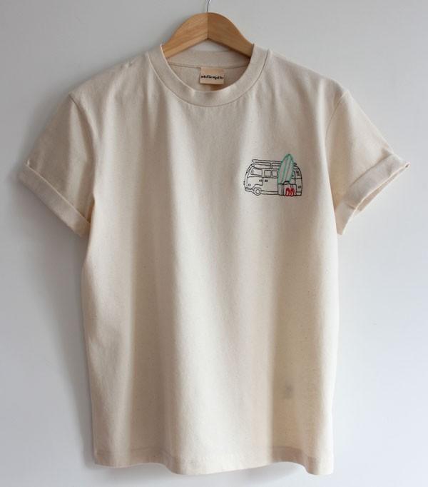 T-shirt_jaune clair_ brodé...