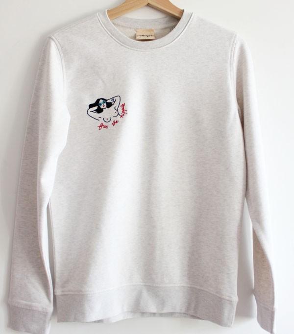 Sweatshirt brodé - free the...