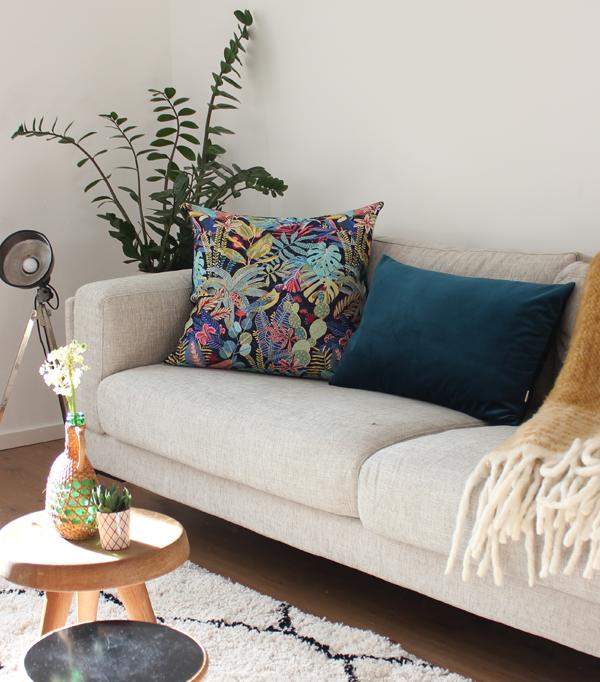 coussin 40x65 velours bleu canard. Black Bedroom Furniture Sets. Home Design Ideas