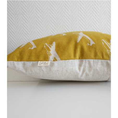 le boy coussin avion jaune moutarde. Black Bedroom Furniture Sets. Home Design Ideas
