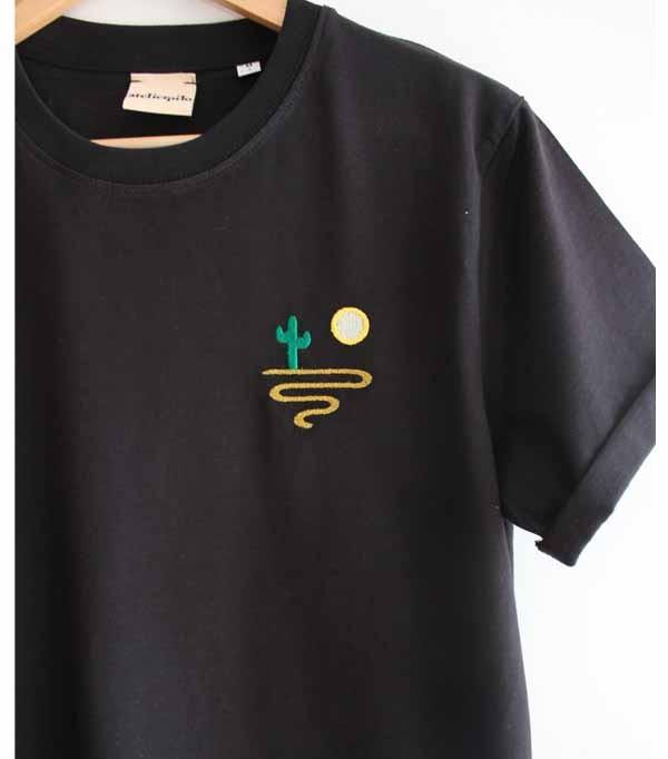 T-shirt noir brodé homme -...
