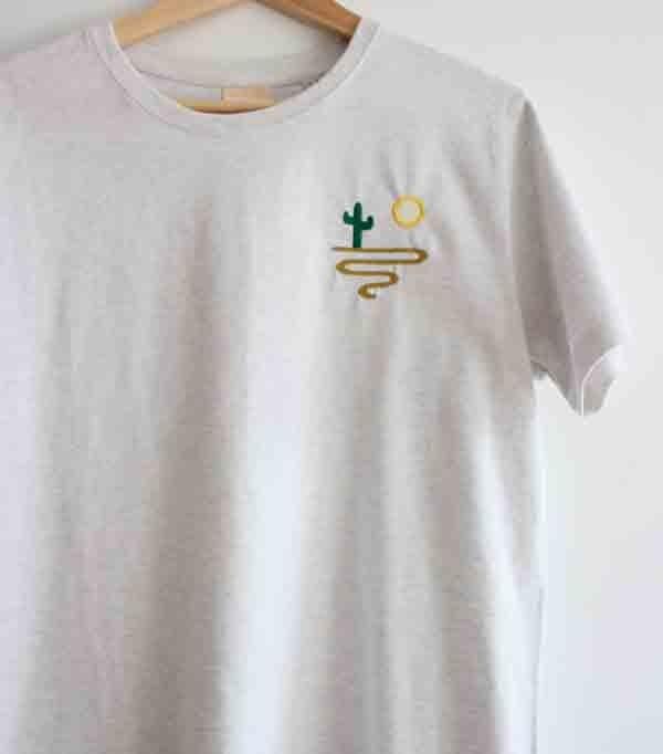 T-shirt brodé gris chiné...